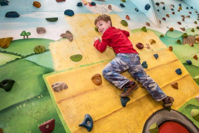 Climbing Wall Edinburgh things to do with kids in edinburgh