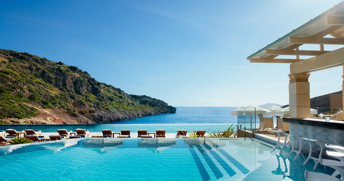 Daios Cove - Luxury Family Hotels Europe
