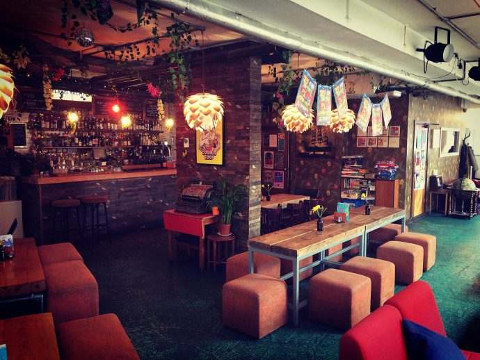 Outlaws Yacht Club - child friendly restaurants leeds