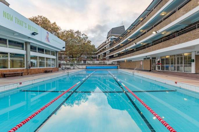 Oasis Swimming Pool - Outdoor Pools in London